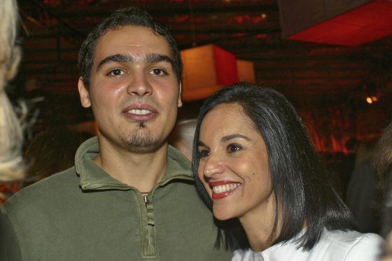 Thomaz e a mãe, Lu Alckmin, em imagem de arquivo.