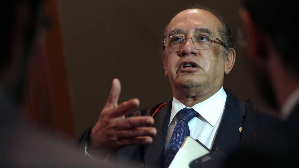 O ministro Gilmar Mendes, em julgamento no TSE.
