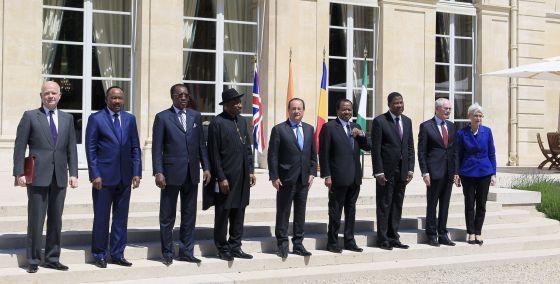 Os participantes da cúpula para combater o Boko Haram, neste sábado em Paris.