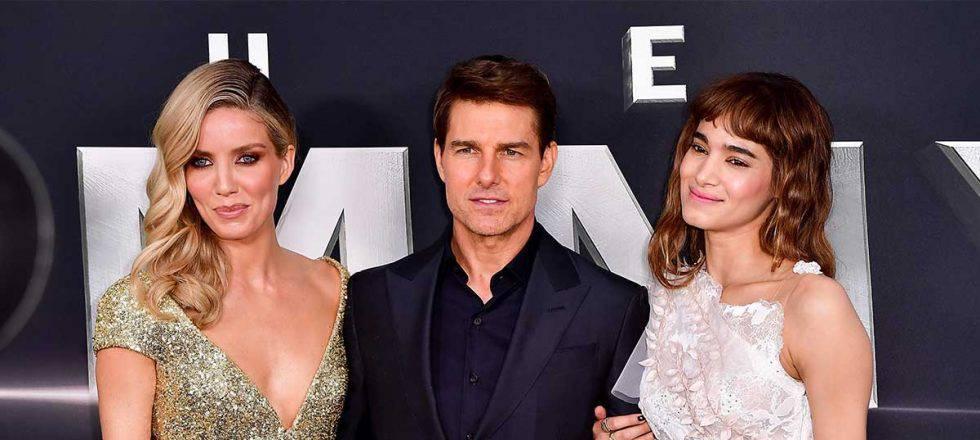 Sofia Boutella e Annabelle Wallis são 20 e 22 anos respectivamente mais novas que Tom Cruise.