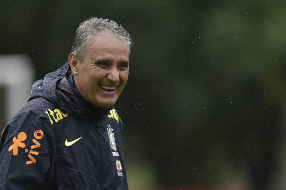 Tite tem 100% de aproveitamento e cinco vitórias pelo Brasil.