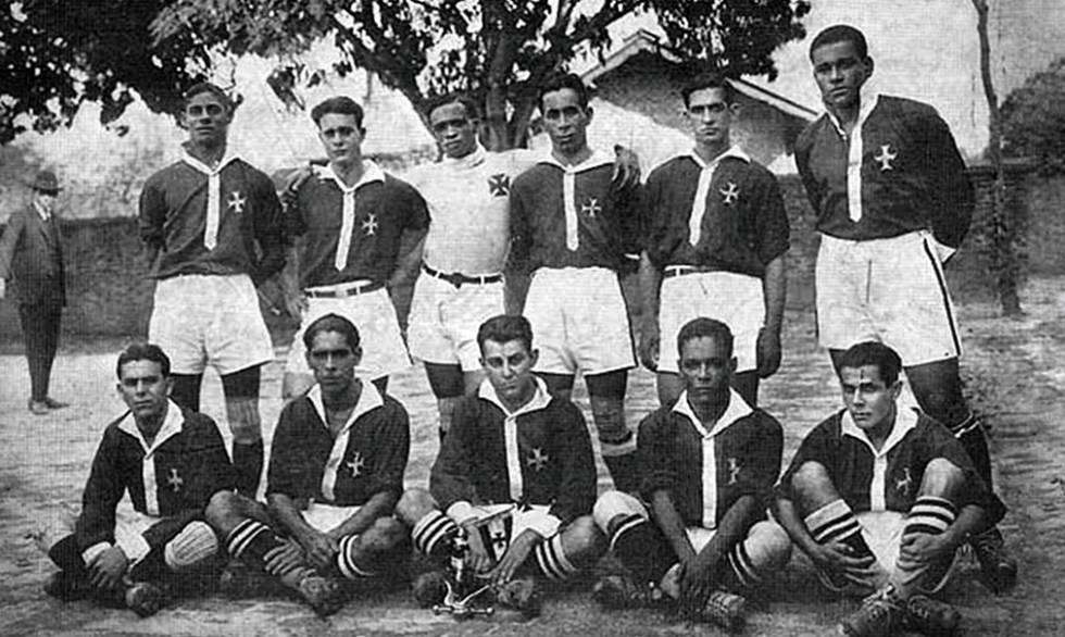 Camisas Negras: o time do Vasco campeão carioca em 1923.
