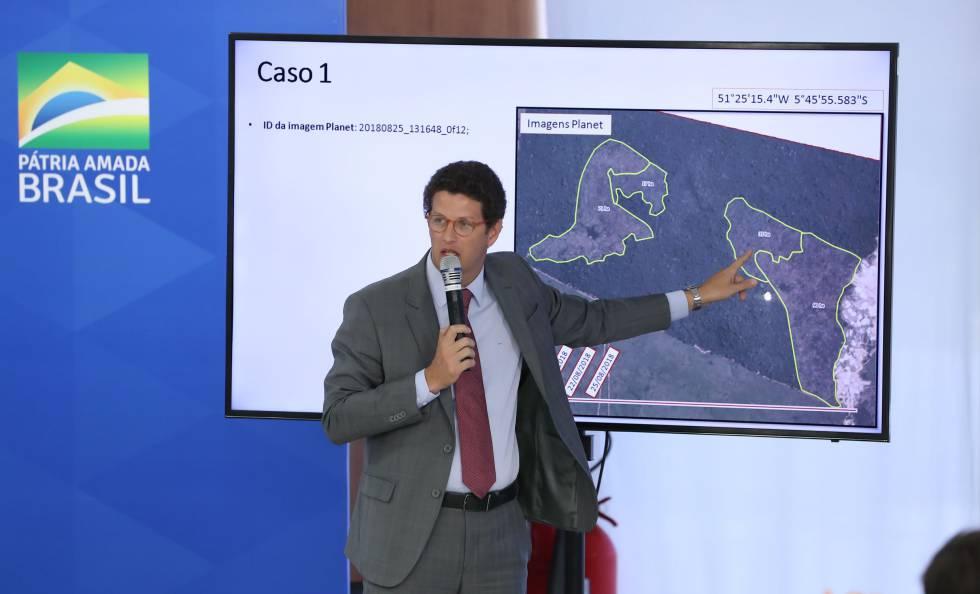 O ministro do Meio Ambiente, Ricardo Salles, durante coletiva de imprensa, sobre os dados do desmatamento divulgados pelo monitoramento ambiental do Inpe.