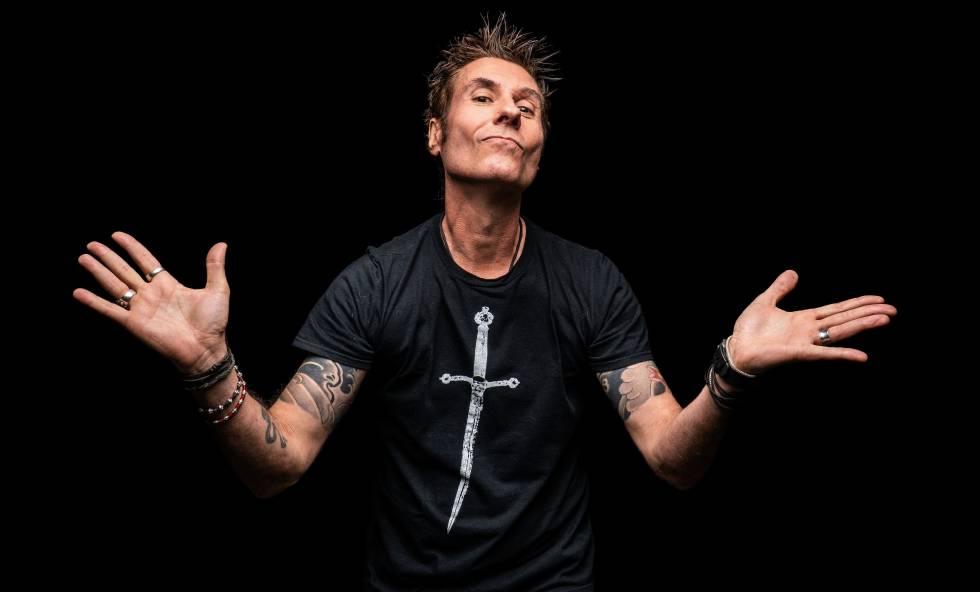 Dinho Ouro Preto, vocalista da banda Capital Inicial.