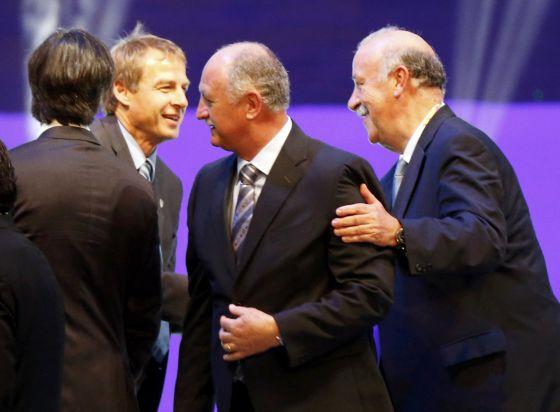 Os treinadores Klinnsman, Scolari e Del Bosque.