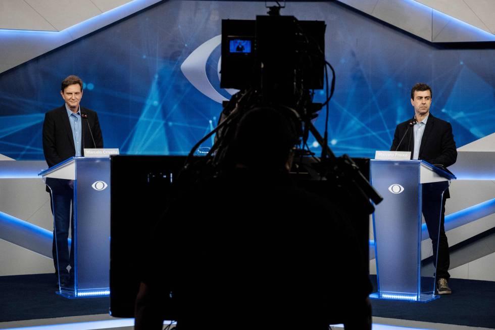 Marcelo Crivella e Marcelo Freixo (R) no debate da TV Bandeirantes