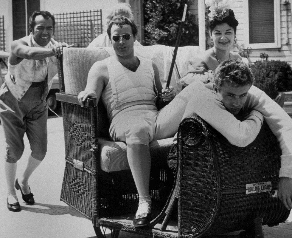 Marlon Brando e James Dean em 1954.