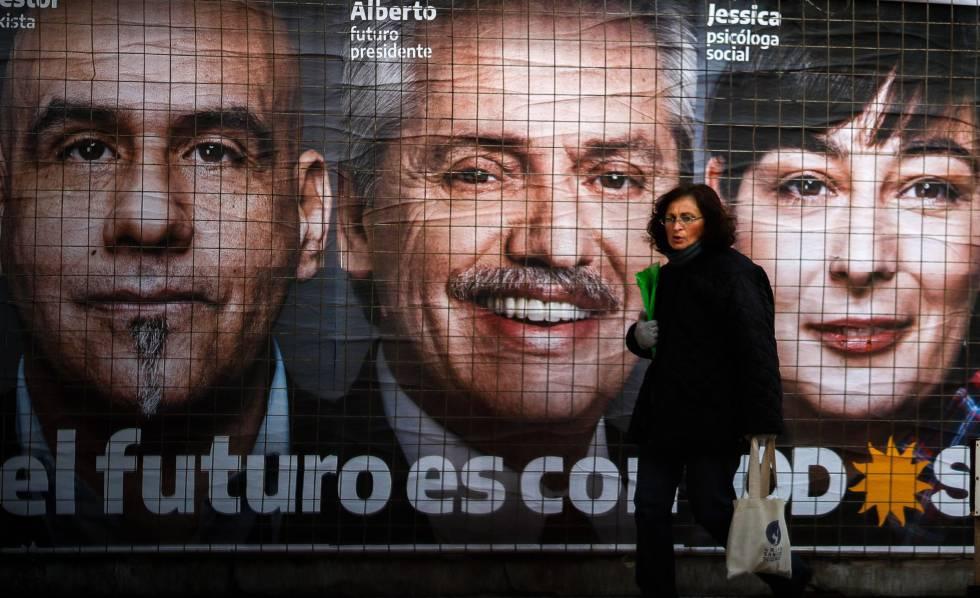 Propaganda eleitoral do candidato Alberto Fernández em uma rua de Buenos Aires.