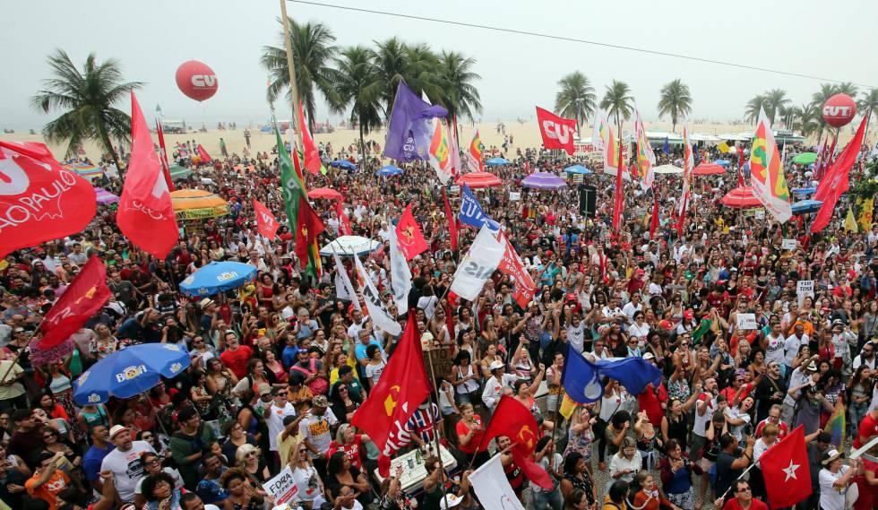 Protesto contra Temer em Copacabana neste domingo.