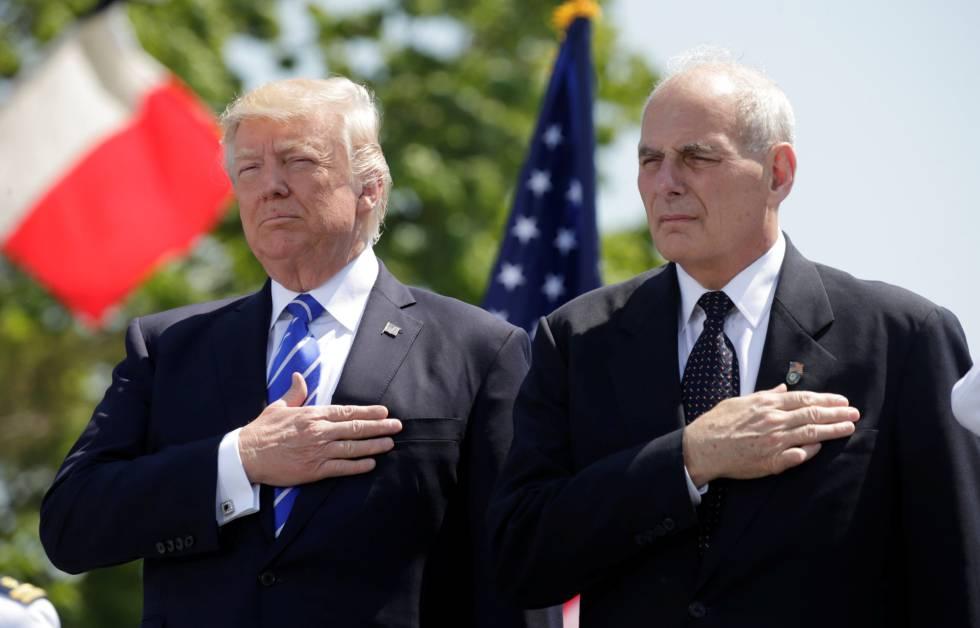 Trump e John Kelly, em um ato em maio passado.