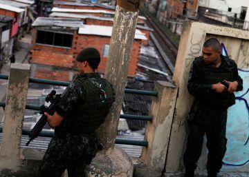 Policiais militares da ROTA mataram jovem de 18 anos na terça. Eles alegam que houve troca de tiros, mas vizinhos negam versão e suspeitam que rapaz foi espancado durante mais de uma hora