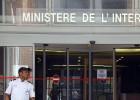 A atuação policial é inédita contra um ex-chefe de Estado da França. Ele é suspeito de criar uma rede que filtrava informações