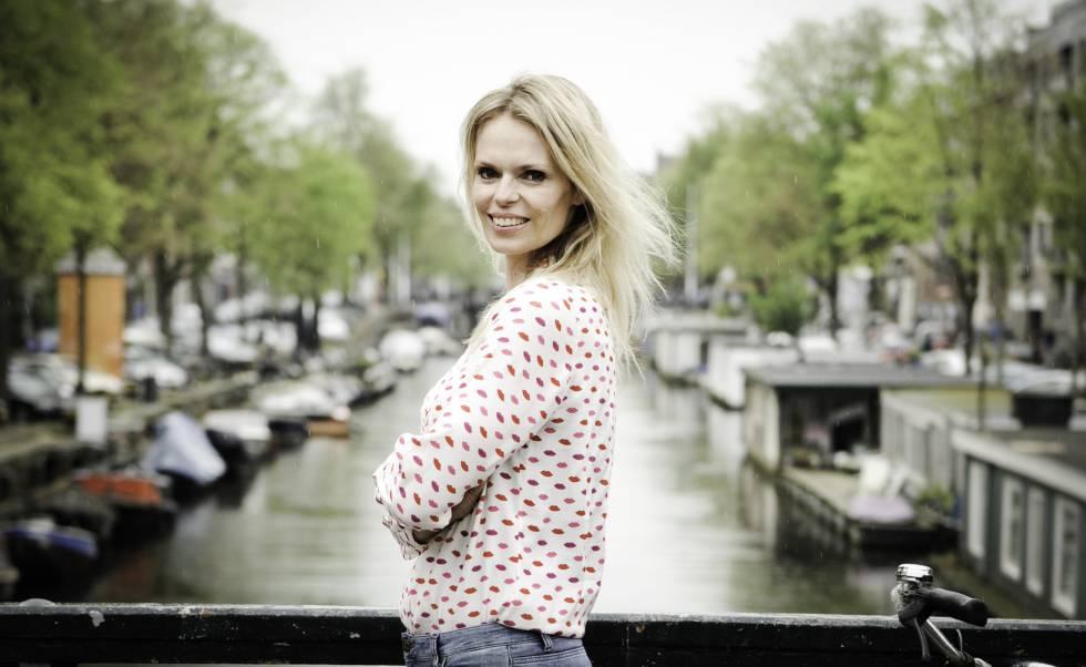 Moniek Wassenaar, uma das supostas filhas do médico holandês Jan Karbaat.