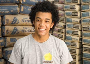 Matheus Cardoso, morador do Jardim Pantanal, na zona leste de São Paulo, fundou o Moradigna, empresa que reforma casas em condições insalubres na região em que vive