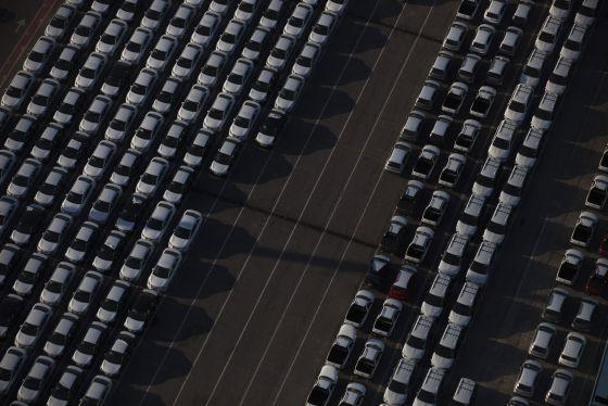 A indústria automobilística elevou seu investimento a níveis históricos no Brasil.