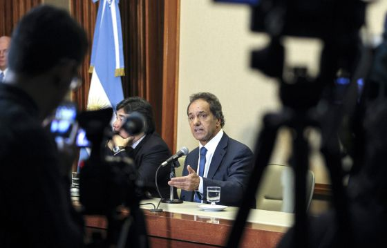 Daniel Scioli, candidato da Frente para a Vitória e ganhador das eleições primárias na Argentina, ontem durante uma coletiva de imprensa.