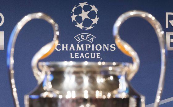 Troféu da Champions League na sede da UEFA.