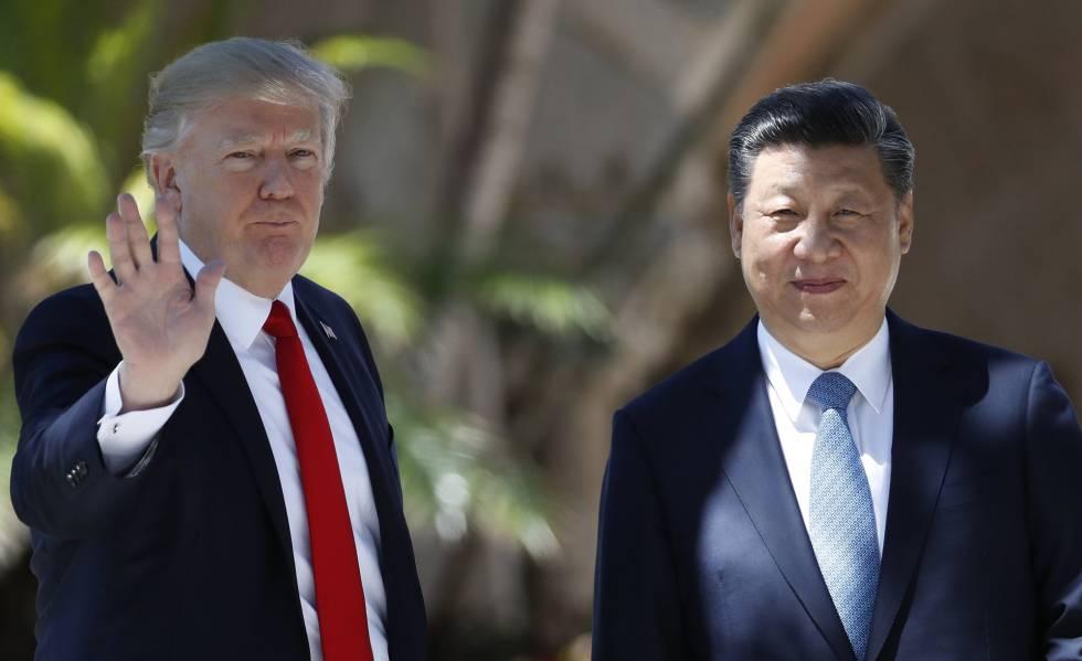 Donald Trump, à esquerda, ao lado do presidente chinês, Xi Jinping.