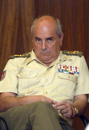 Alejandre, em uma reunião do Estado Maior em 2003.