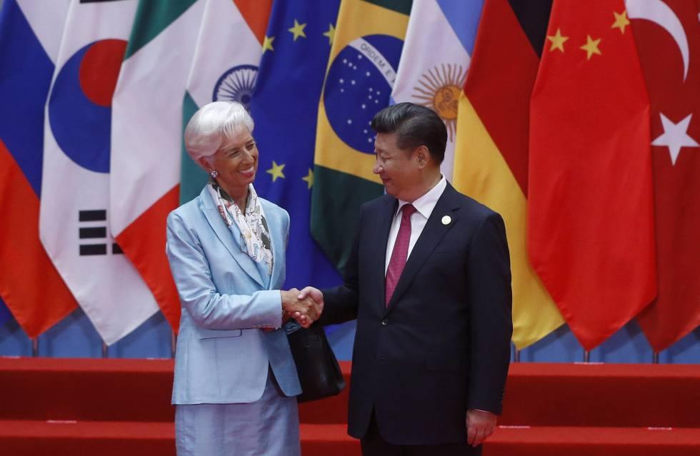 Lagarde, diretora-gerente do FMI, com o presidente Xi, nesta segunda-feira