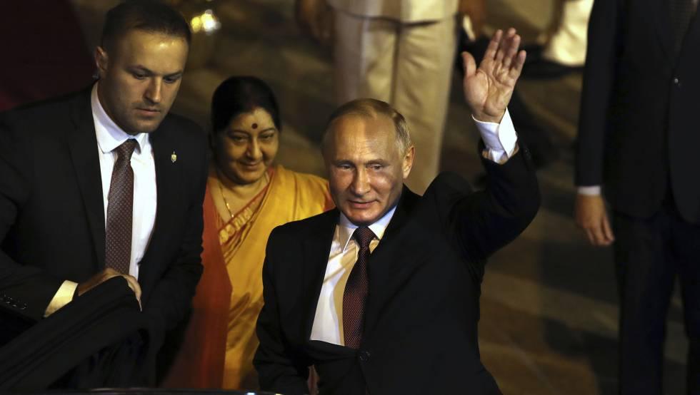 O presidente russo, Vladimir Putin, em sua chegada na Índia