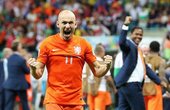 Robben comemora a vitória diante da Costa Rica.
