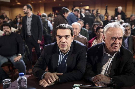 Alexis Tsipras e o vice primeiro-ministro grego, Dragasakis.