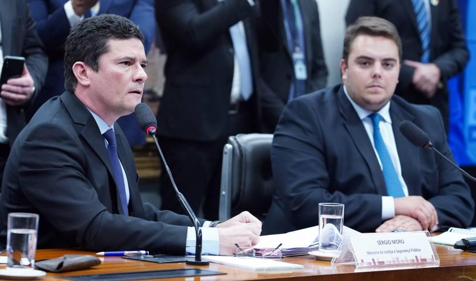 Sergio Moro (à esq.) durante audiência na Câmara nesta terça-feira.
