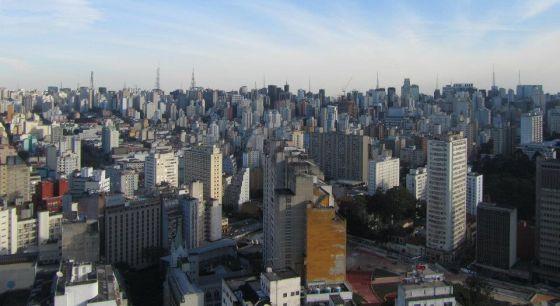 Vista de São Paulo de um edifício no centro.