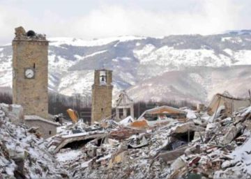 Hotel Rigopiano, que fica numa região montanhosa de difícil acesso em Abruzos, no centro do país, ficou soterrado após uma série de terremotos