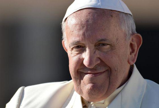 O papa Francisco na praça de São Pedro, no Vaticano.