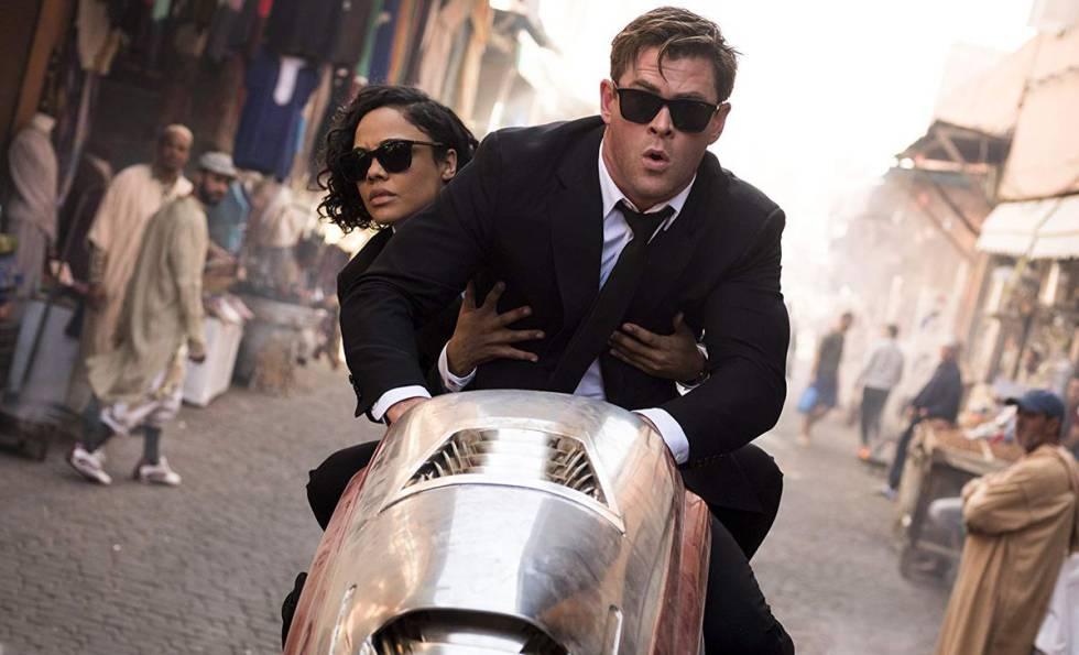 Tessa Thompson e Chris Hemsworth em 'Homens de Preto: International'