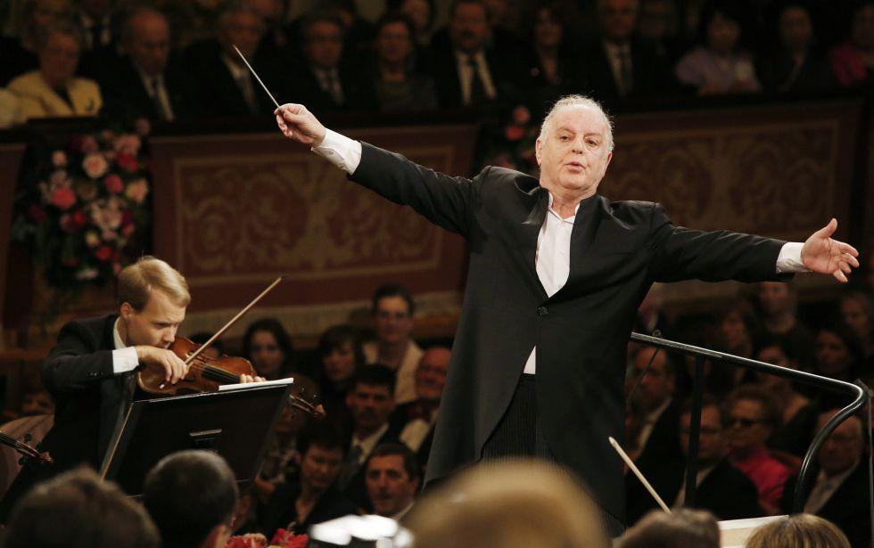 Daniel Barenboim durante o concerto de Ano Novo da Filarmônica de Viena.