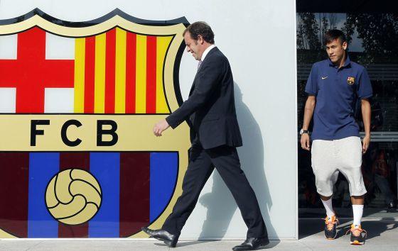 Rosell e Neymar, na apresentação do jogador.