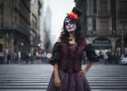 Na movimentada comemoração mexicana tem destaque uma personagem emblemática criada por José Guadalupe Posada