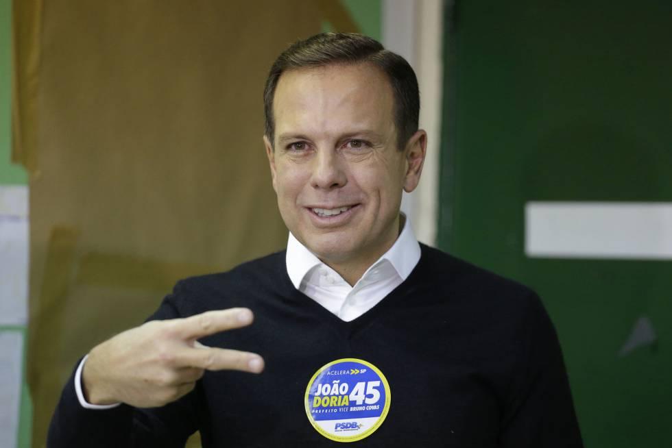 O prefeito eleito de São Paulo pelo PSDB, João Doria, ao votar no domingo.