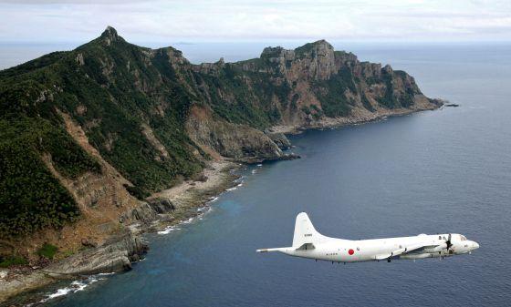 Avião sobrevoa o espaço reivindicado pela China.