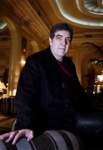 El escritor Eduardo Lago, en Barcelona.