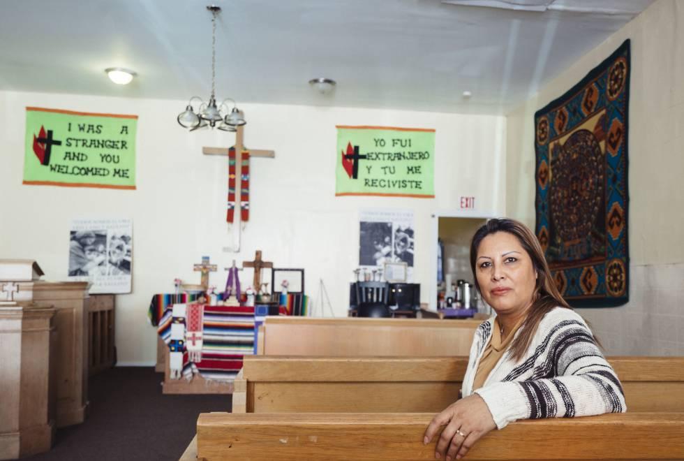 Francisca Lino, refugiada na Igreja Metodista Unida Adalberto, em Chicago.