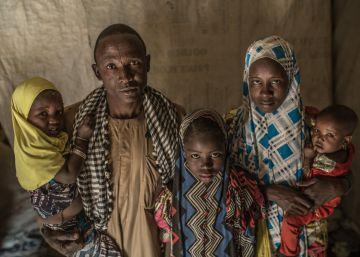 A desnutrição ameaça dezenas de milhares de pessoas que permanecem refugiadas no deserto