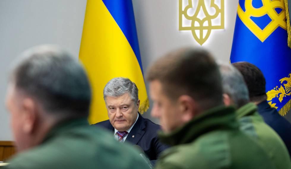 O presidente ucraniano, Petro Poroshenko, em uma reunião com militares em 30 de novembro de 2018.