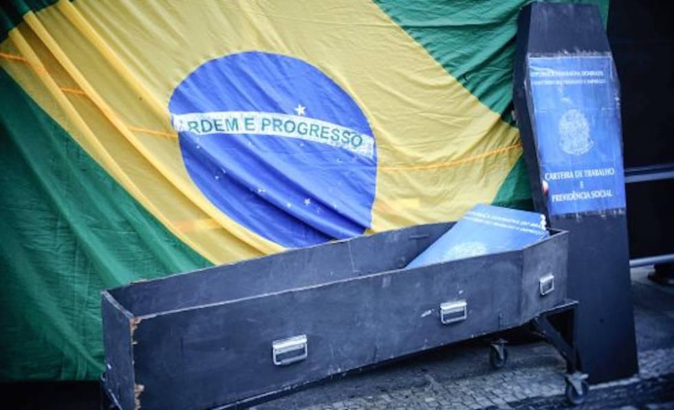 Protesto contra a terceirização no Rio de Janeiro em 2015.