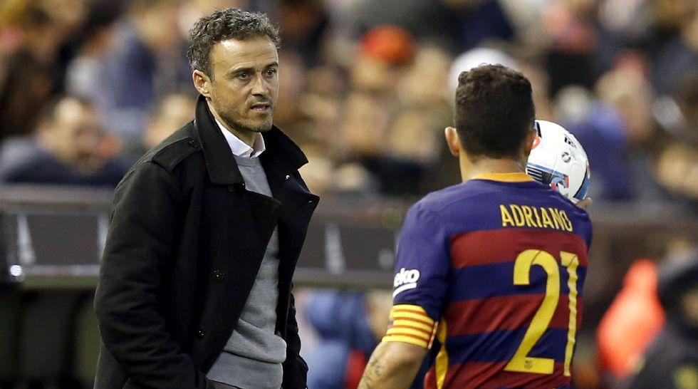 Luis Enrique e Adriano, contra o Valencia.