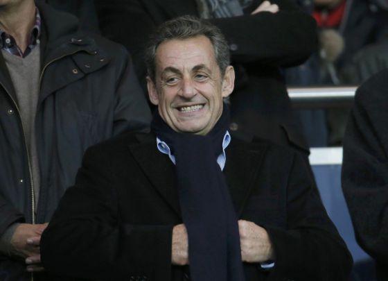 Sarkozy, neste sábado, em um jogo de futebol no Parque dos Príncipes.