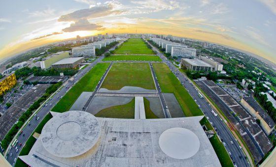 Esplanada dos Ministérios vista do alto do Congresso Nacional.