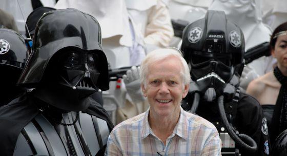 O ator Jeremy Bulloch no festival Metrópole, em Gijón, junto com o personagem Darth Vader.