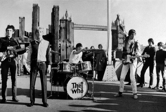 The Who, em frente à Torre de Londres em 1965.