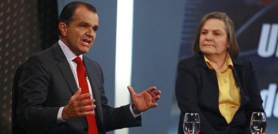 Zuluaga e Clara López, durante um debate.