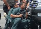 """Explosões no centro de Jacarta """"imitaram os atos terroristas de Paris"""", diz porta-voz policial. Autoria é do Estado Islâmico"""