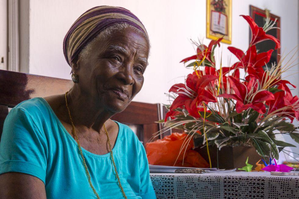 Dona Dalva, neta de escravos e guardiã do samba de roda na Bahia.